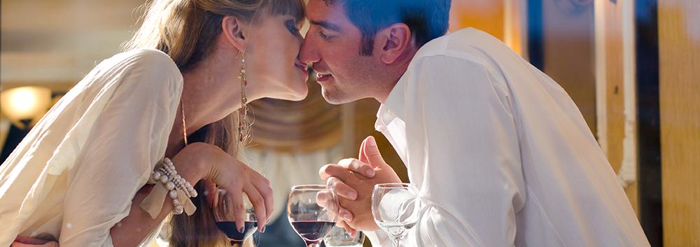Los ticos son románticos y celebrarán el Día del Amor